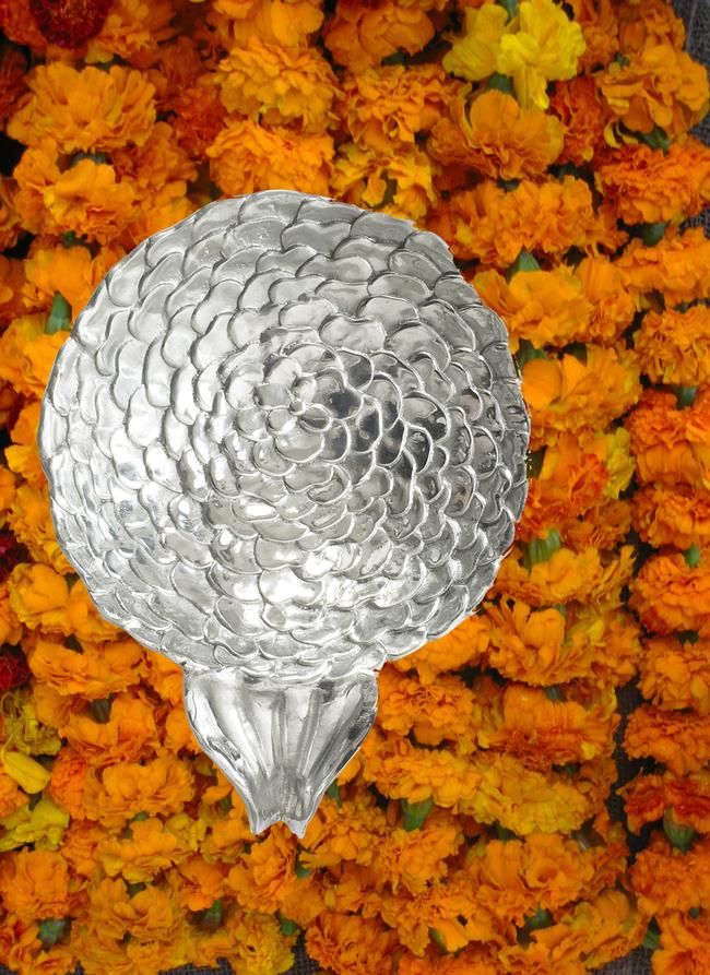 Marigold large alum