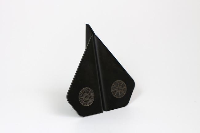 Black 3 4