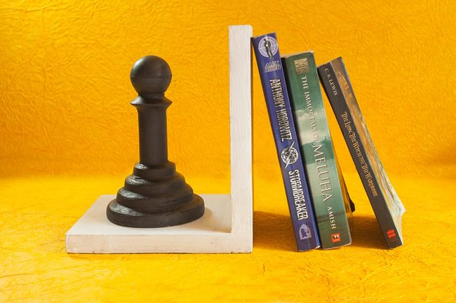 Chess bookend storage1