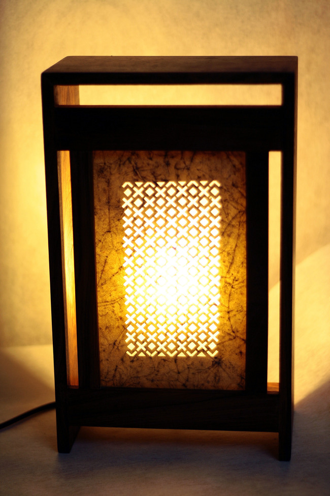 Sanjhi table lamp   back open   lit
