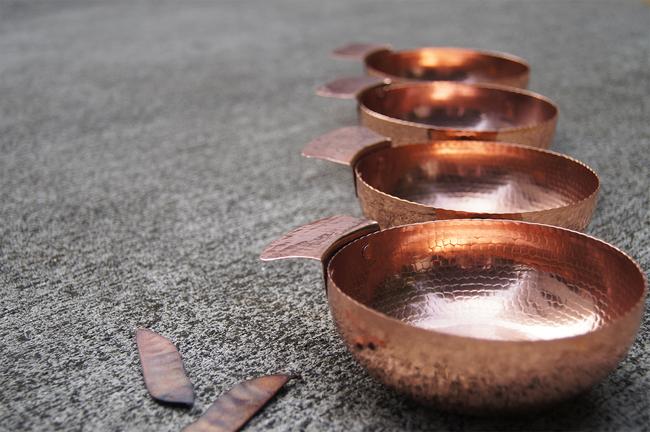 01 circular nut bowl