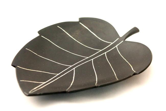 Leaf tray Platter By Bidriwala
