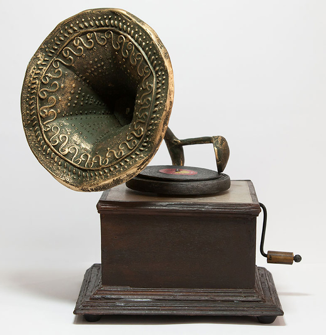 Gramphone tablelamp2