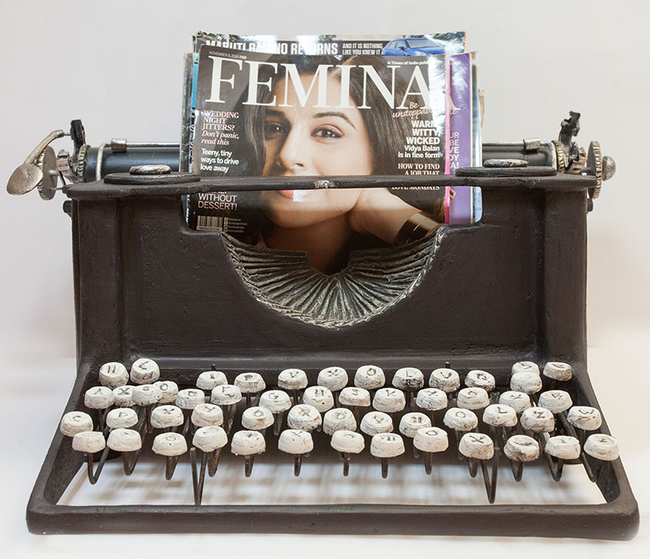 Typewriter magazine holder2