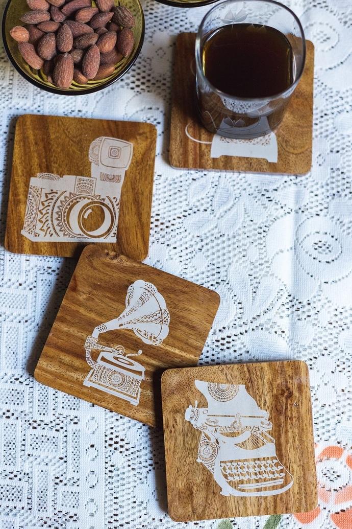 IVEI Mandala teak wood reversible coasters - set of 4 (retro) Coaster Set By i-value-every-idea