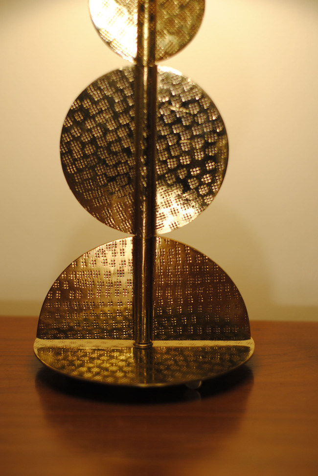 Harappa table lamp by sahil   sarthak  zoom