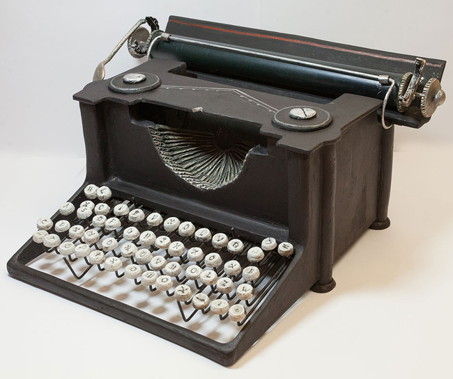 Typewriter magazine holder4