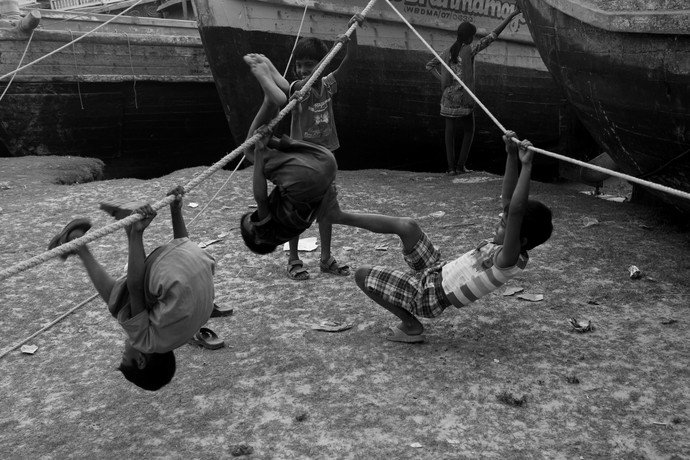 Bickering by Debabrata Sarkar, Image Photograph, Digital Print on Paper, Gray color