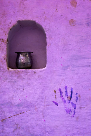 Invisible Hand by Sanjay Nanda, Image Photography, Digital Print on Canvas, Purple color