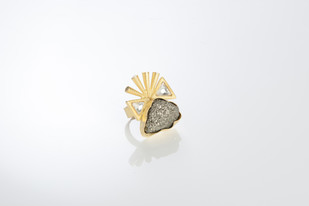 SPIKED KUNDAN AND ROCKS by Vasundhara, Contemporary Ring