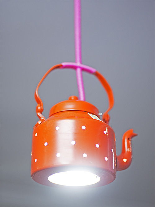 https://www.mojarto.com/objet-d-art/poppadumart-32020/poppadumart-kettle-lamp-orange-197037