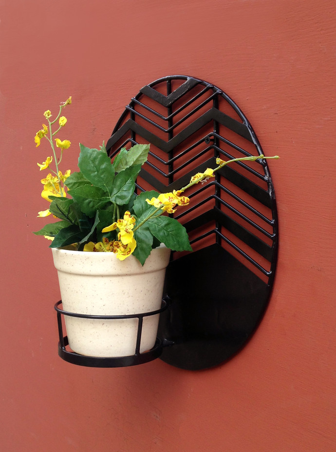 Amalfi Waves Metal Wall Planter With Ceramic Pot