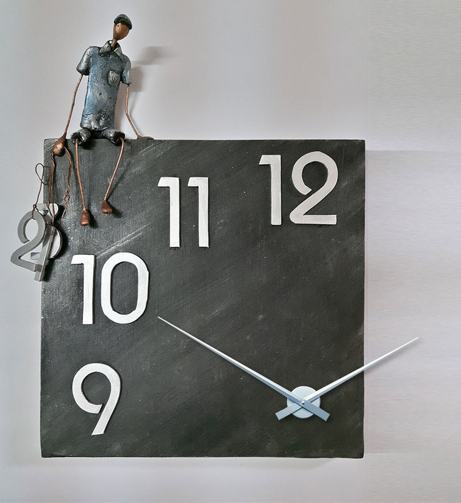 Figure with Numbers Wall Clock Clock By THE ART SPA