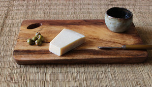 cheese board by TARU , Contemporary Kitchen Ware, Wood, Brown color