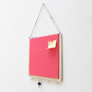 IVEI Wooden Pin board with key hooks - Pink Wall Decor By i-value-every-idea