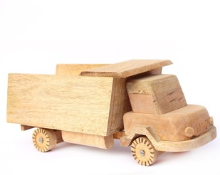 IVEI Wooden Truck Shaped Decorative Bottle Holder Curio By i-value-every-idea