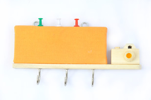 IVEI wooden key holders with a pin board - Yellow Camera Wall Decor By i-value-every-idea