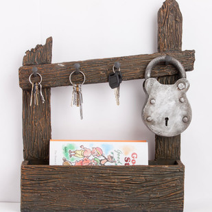 Lock Sleeper Key & Mail Holder Accessories By THE ART SPA