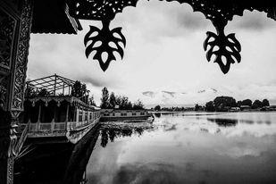 Dal Lake by Ranu Jain, Image Photography, Digital Print on Paper, Gray color