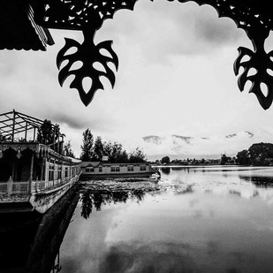 Dal Lake by Ranu Jain, Image Photography, Digital Print on Paper, Gray color