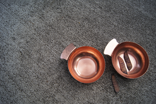 Circular nut bowl